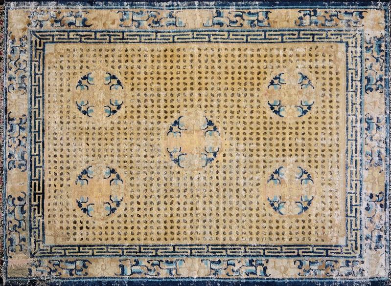 """Seltener """"Reiskorn""""-Teppich der Qing-Zeit, Ningxia, China 18. Jh."""
